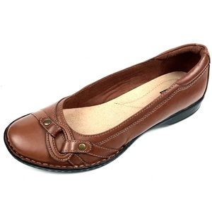 Clarks Women Saddle Brown Leather Ballet Flats 8M